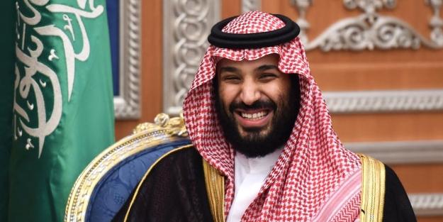Pislikleri ortaya döküldü: Suudi prense Paris'te