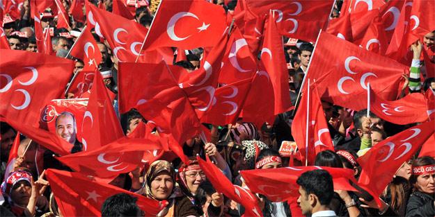 PKK sevici İsveç basınında ülkü ocakları!