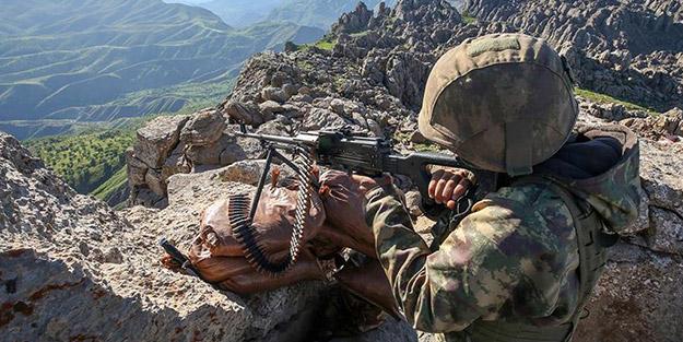 PKK/KCK ayakkabı bağcığı gibi çözülüyor! Teröristler teslim oldu