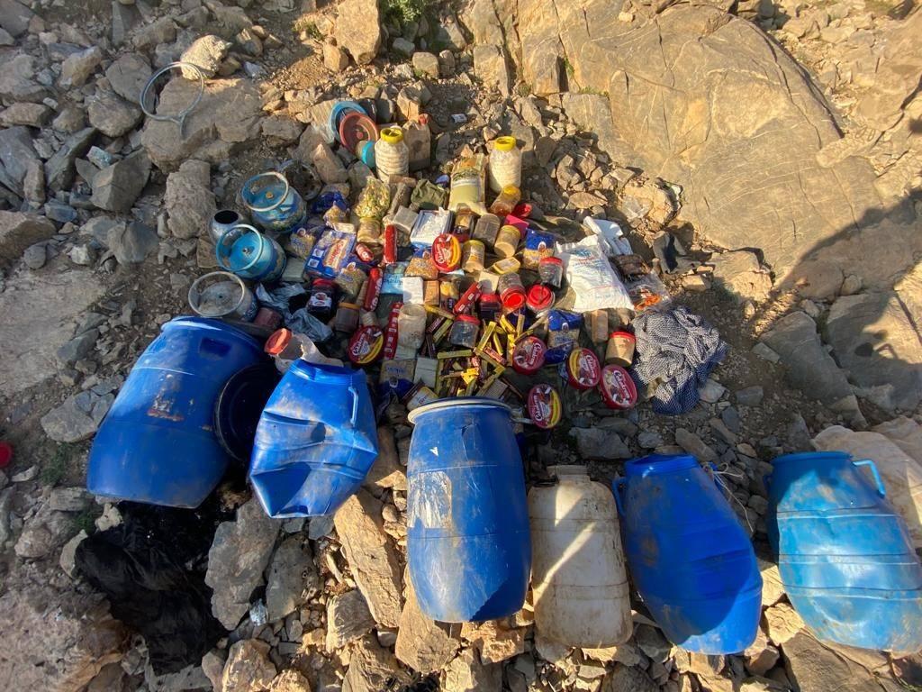 PKK'lı teröristlere darbe! Yaşam malzemeleri ele geçirildi