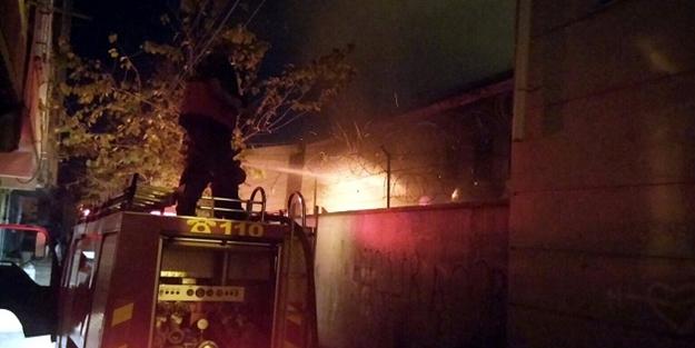 PKK'lılar okulu ateşe verdi!