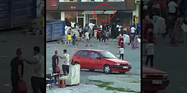 Polis ateş açtı! Yaşlı, genç herkesin birbirine girdiği komşu kavgası ortalığı savaş alanına çevirdi