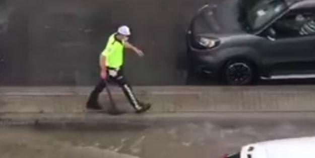 Polis memurunun o anları Türkiye gündemine oturdu! Vatandaşlar çileden çıktı