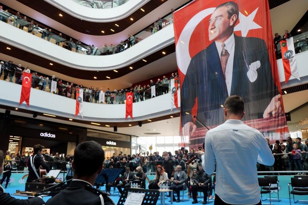 POLİS TEŞKİLATI KURULUŞ YILDÖNÜMÜ PİAZZA'DA KUTLADI