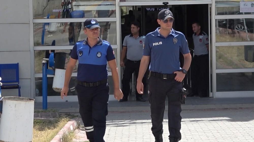 Polis ve zabıta ekiplerinden 'korsan taşımacılık' nöbeti