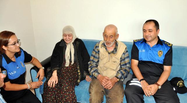 Polis yaşlı çiftin evini donattı