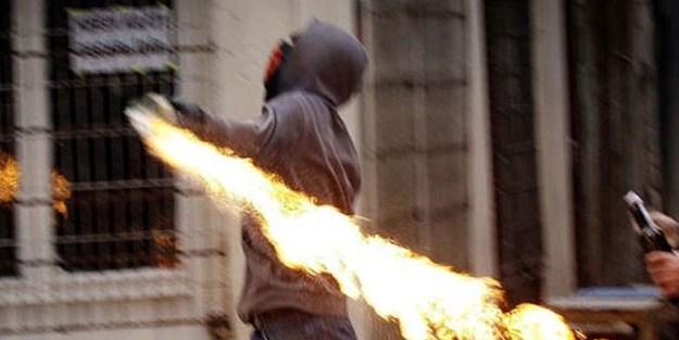 Polise atacağı bomba elinde patladı!