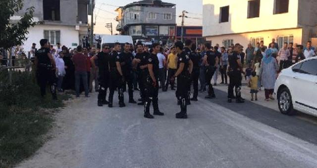 POLİSE BIÇAKLA SALDIRAN ŞAHIS VURULARAK ETKİSİ HALE GETİRİLDİ