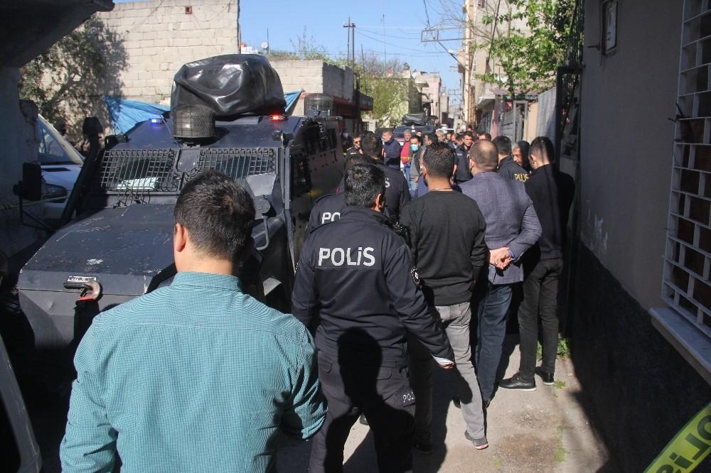 Polisi yaralayan şahıs vurularak etkisiz hale getirildi