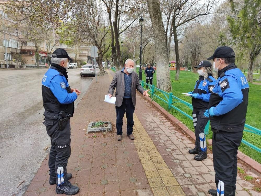 Polisten vatandaşa klipli 'evde kal' çağrısı