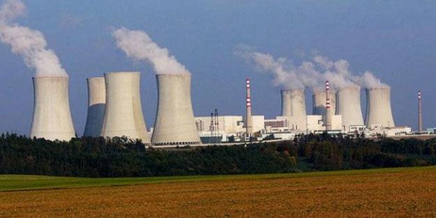 Polonya iki nükleer santral birden inşa edecek