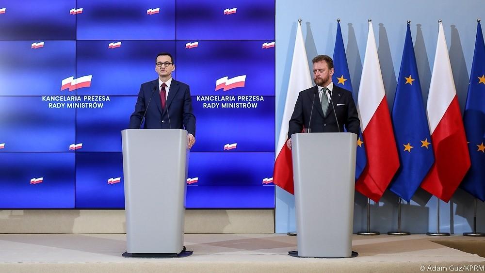 Polonya'da 2'den fazla kişinin bir araya gelmesi yasaklandı