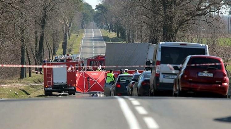 Polonya'da kamyon otobüsle çarpıştı: 5 kişi öldü