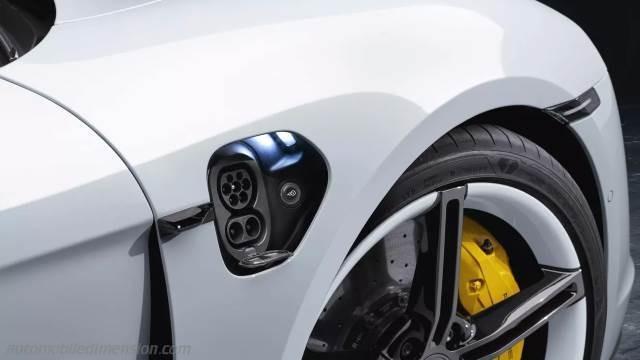 Porsche elektrikli otomobiller için Türkiye'ye şarj ağı kurdu