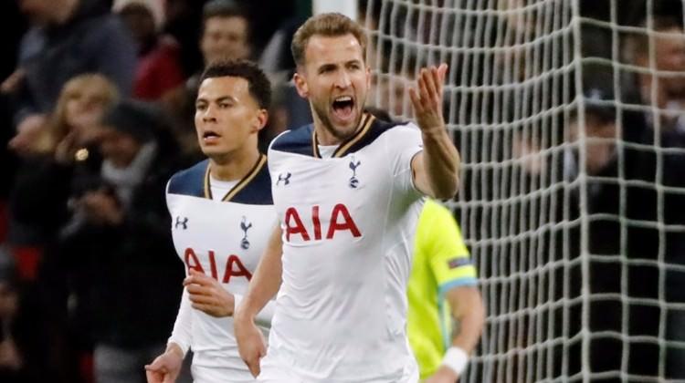 Premier Lig'de Tottenham zirveyi karıştırdı!