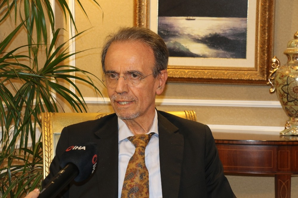 """Prof. Dr. Mehmet Ceyhan: """"Halk kurallara uyarsa yayılım 1 ayda kontrol altına alınır"""""""