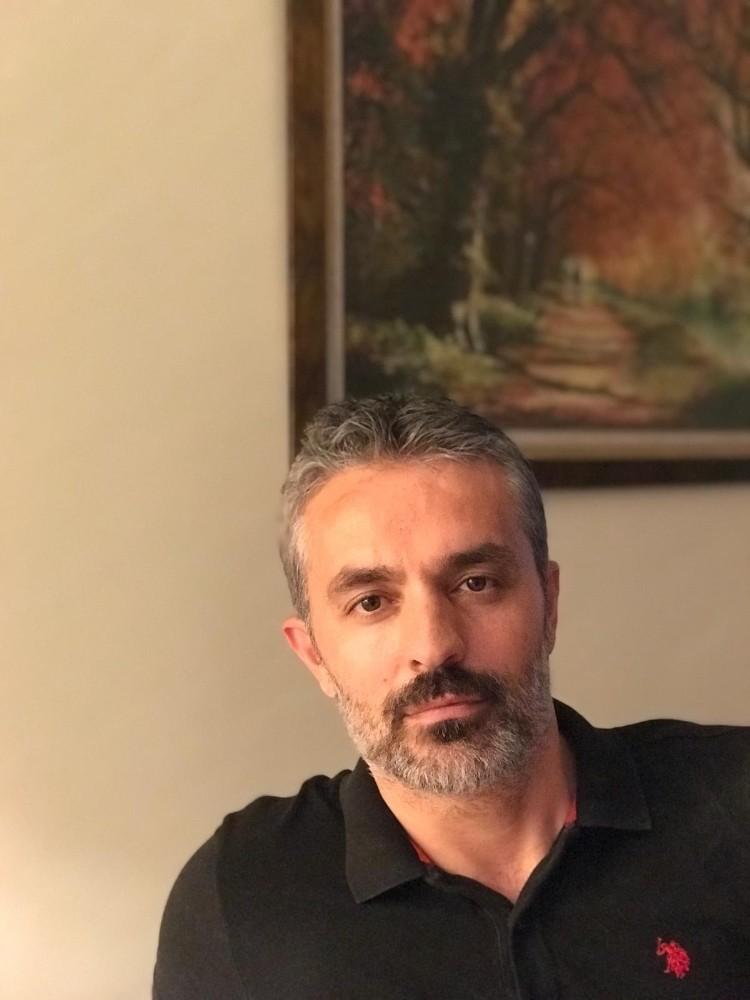 """Prof. Dr. Mevlüt Özben: """"Kadın cinayetlerini sosyal medyalarda hızlıca tüketiyoruz"""""""