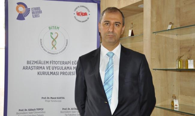 """Prof. Dr. Murat Kartal: """"Her Yerde Satılan Zayıflama İlaçlarına İtibar Etmemeliyiz"""""""