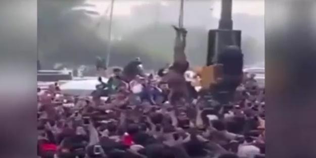 Protestocular keskin nişancıyı böyle sallandırdı