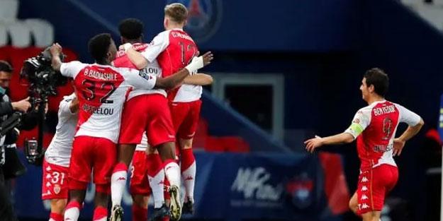 PSG, Monaco'ya diz çöktü