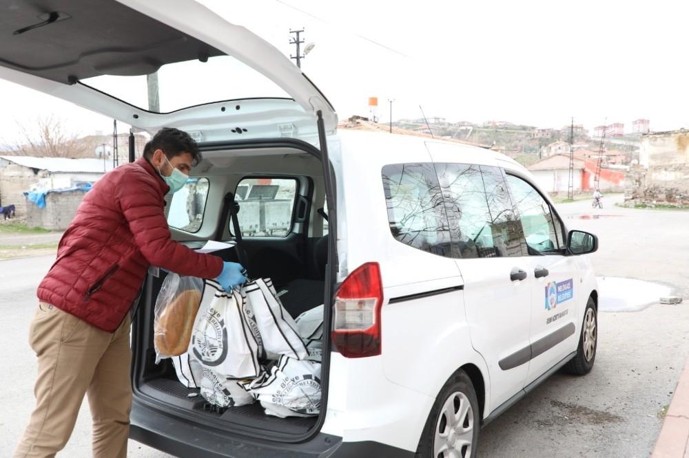 Ramazan ayında yardım paketleri yine ihtiyaç sahiplerine ulaştı