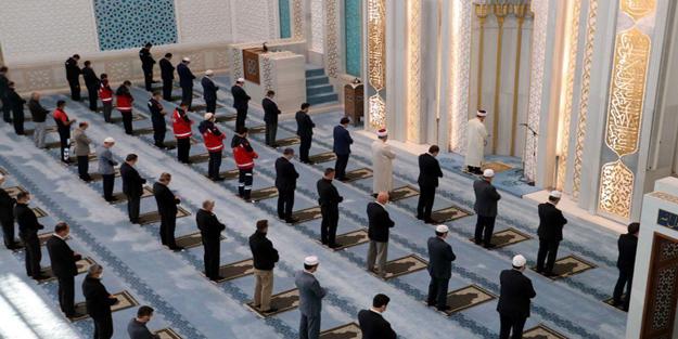 Ramazan'da camilerde teravih kılınacak mı? Bu yıl teravih serbest mi?