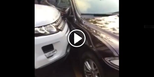 Range Rover'la Jaguar'ı parçaladı