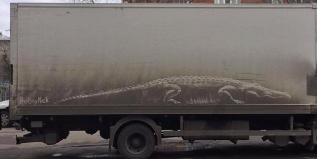 Ressam Golubev kirli arabaları sanat eserine çeviriyor!