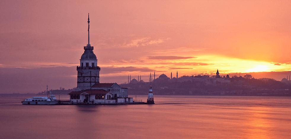 Rezervasyon patlaması yaşanıyor: Akın akın Türkiye'ye geliyorlar!