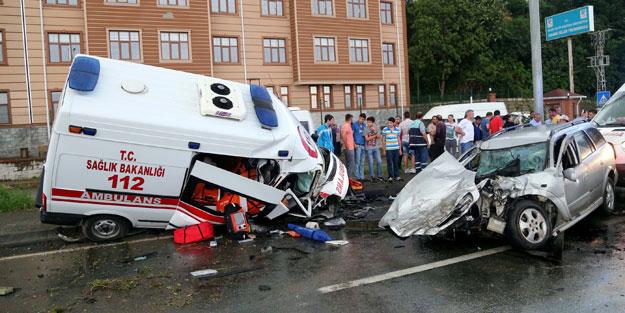 Ambulans öyle bir kaza yaptı ki...