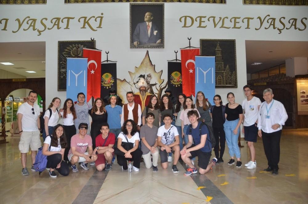 Robert Koleji öğrencilerinden müze ziyareti
