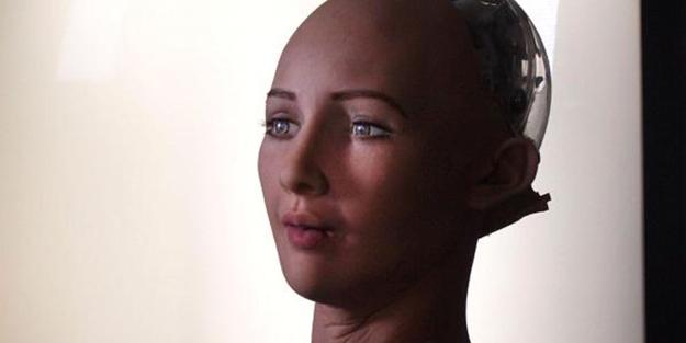 ROBOT SOPHİA, AİLE KURMAK İSTİYOR
