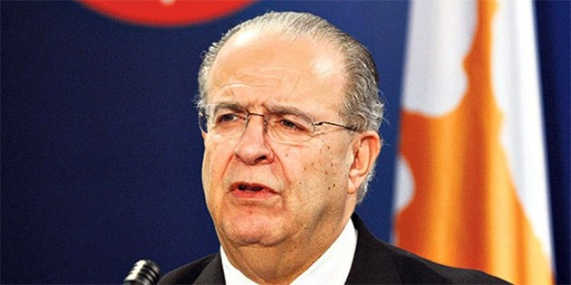 Rum bakan itiraf etti: O ülkeyle birlikte Kuzey Irak'a silah...