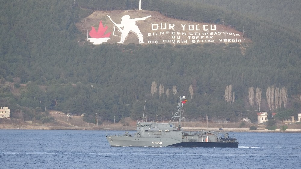 Rumen ve Alman savaş gemileri Çanakkale Boğazı'ndan geçti