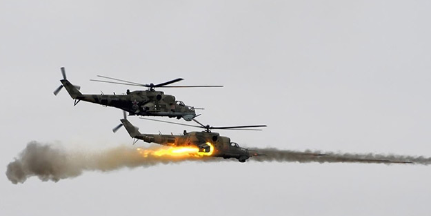 Rus helikopteri yanlışlıkla bir binayı vurdu