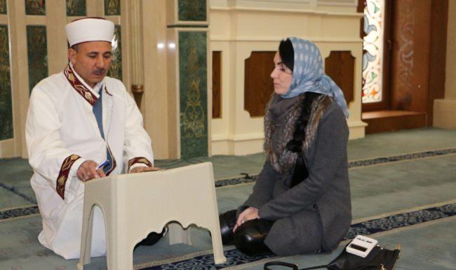 Rus kadın müslüman olup Elif adını aldı