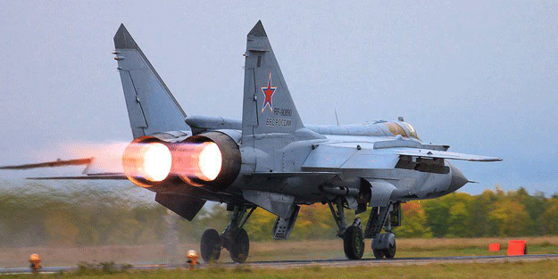 Rus savaş uçağı ABD'ye karşı havalandı
