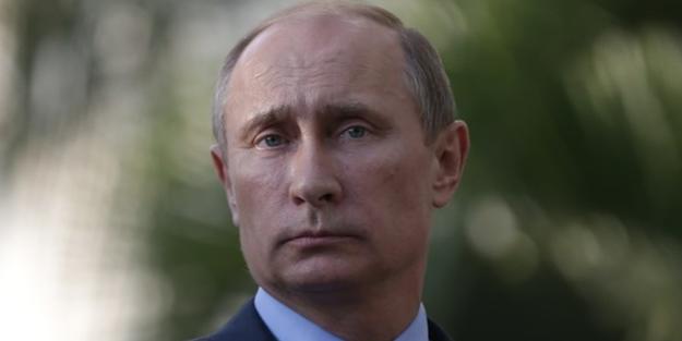Rus isim Putin'i bombaladı