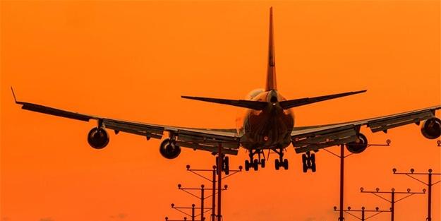 Rus yolcu uçağında korku dolu anlar! Acil iniş yaptı