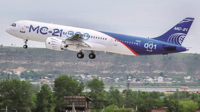 Ruslar ilk yolcu uçağını uçurdu