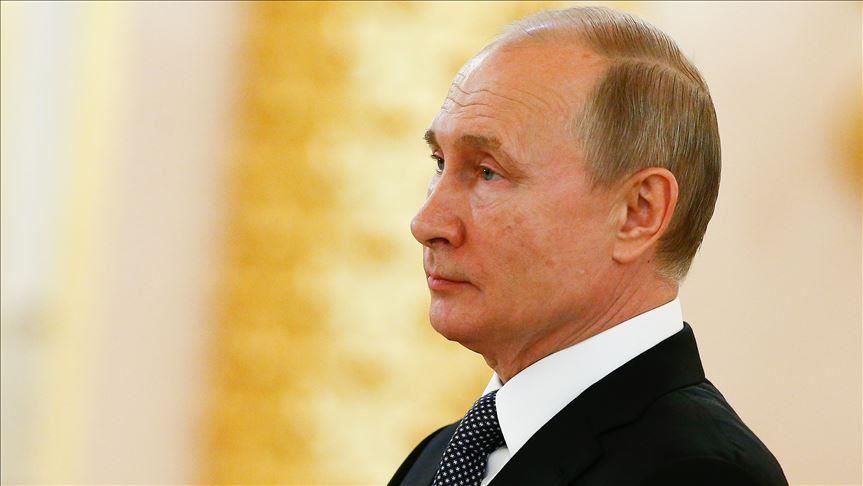 Rusya Devlet Başkanı Putin teknolojik cihazlarda 'yerli yazılım şartı' yasasını imzaladı