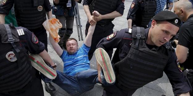 Rusya eşcinsel sapkınlığı kıskaca aldı! LGBT'ye karşı tüm güvenlik güçleri teyakkuzda