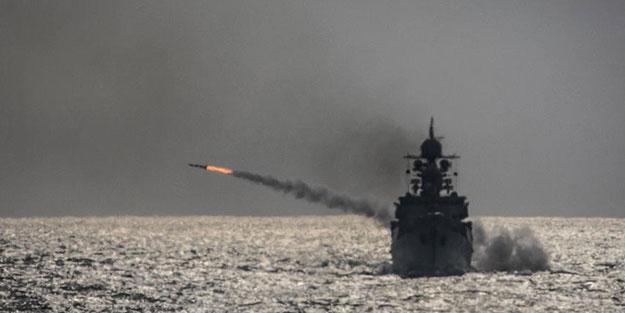 Rusya füzeleri peş peşe ateşledi! 4 savaş gemisi ile harekete geçtiler