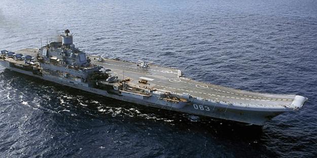 Rusya'da büyük şok! Savaş uçaklarını taşıyan gemide...