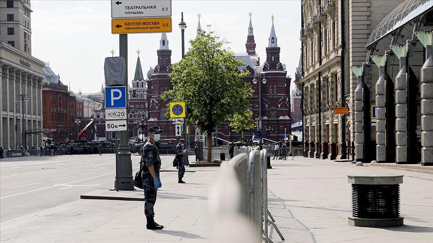 Rusya'da Kovid-19 vaka sayısı 700 bine yaklaştı