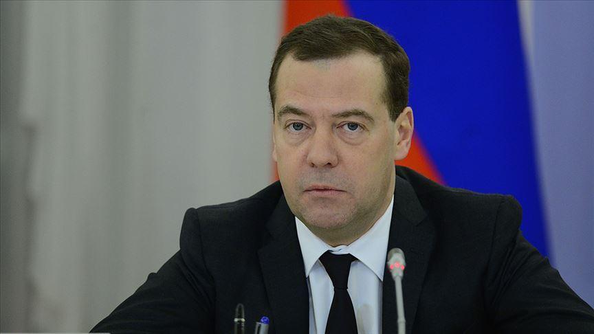 Rusya'da sosyo-ekonomik sıkıntılar Medvedev'i kurban etti