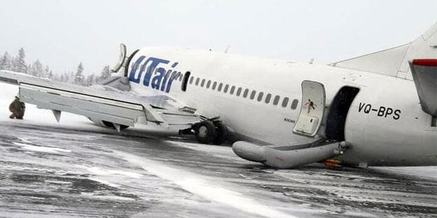 Uçağın kuyruğu iniş sırasında piste çarptı! Tehlikeli anlar kaydedildi