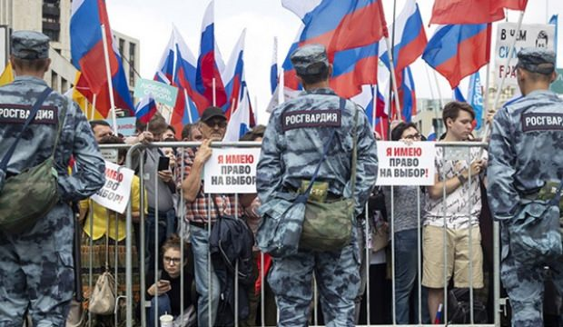 Rusya'daki protestolara Kremlin'den ilk mesaj