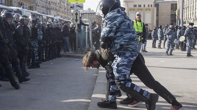 Rusya'daki protestolarda en az 500 muhalif gözaltına alındı