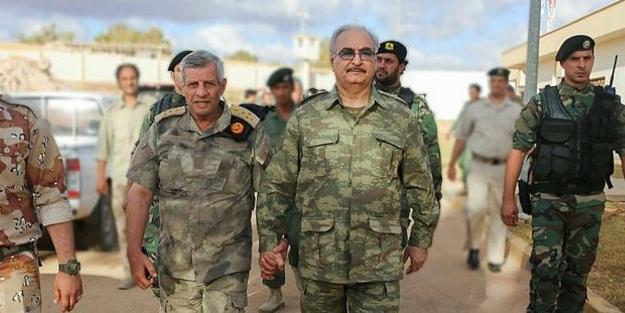 Rusya'dan terörist Hafter'e skandal destek
